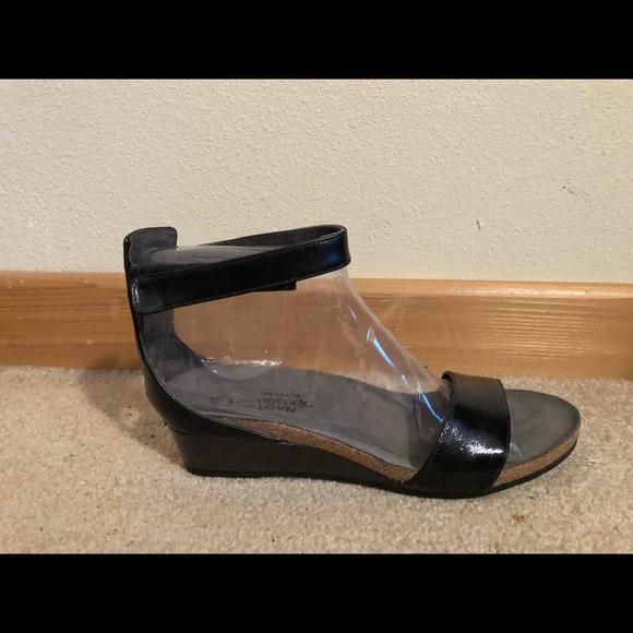 8eae3fa28339 Naot Black Sandal 11   42